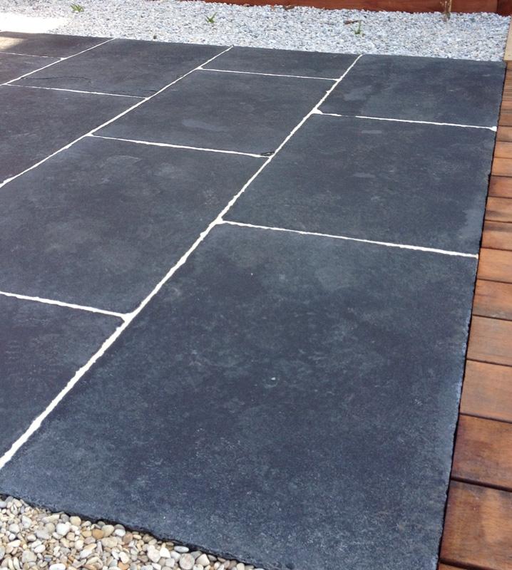 dalles de terrasse calcaire noir. Black Bedroom Furniture Sets. Home Design Ideas