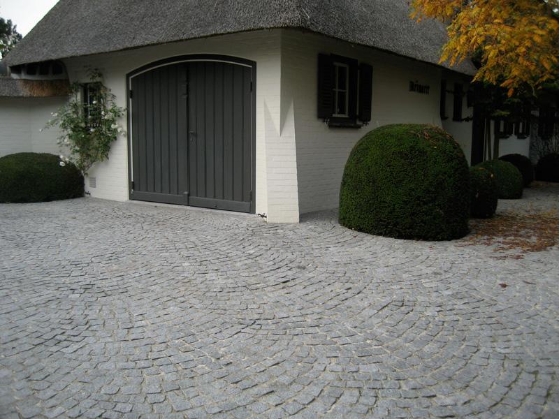 Pavs Granit Du Portugal  Pavs Alles Et Entres Garage